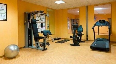 Salle de sport ele green park hotel pamphili rome, italie