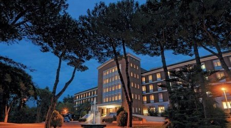 Façade ele green park hotel pamphili rome, italie