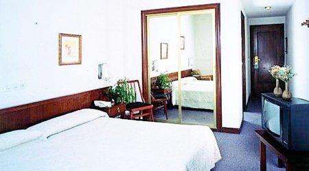 Chambre hôtel ele acueducto ségovie