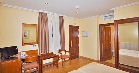 Chambre individuelle standard hôtel ele acueducto ségovie