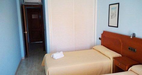 Double avec lit supplÉmentaire adulte hotel ele don ignacio san josé, almería