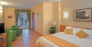 Chambre familiale ele green park hotel pamphili rome, italie