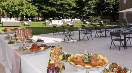 Restaurant oasis ele green park hotel pamphili rome, italie