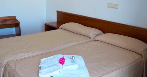 Chambre double hôtel ele acueducto ségovie
