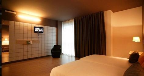 Chambres doubles avec 2 lits supplÉmentaires hotel ele hotelandgo arasur rivabellosa
