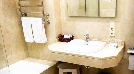 Salle de bains hôtel ele acueducto ségovie