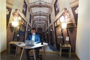 ENARA BUSINESS CENTER. Encuentra una habitación despacho adecuada para trabajar durante tu viaje de negocios ELE Hôtels