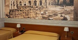 Chambre triple ele green park hotel pamphili rome, italie